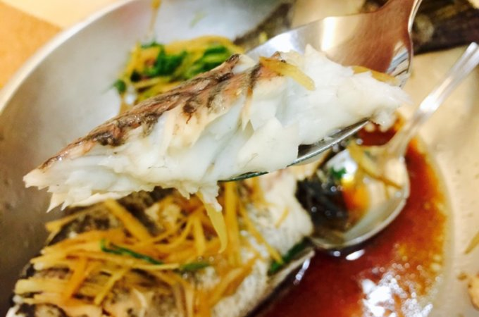 Do you know the secret to restaurant-style, perfectly-steamed fish? Follow this simple guide to nail this Chinese home-cooking staple every single time!