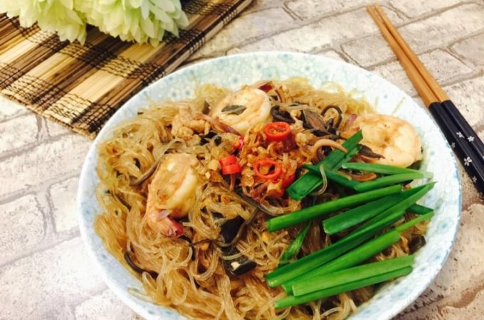 Hainanese Tang Hoon with Chives and Dried Cuttlefish Recipe