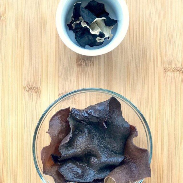 The Burning Kitchen   Black Fungus Chicken in Wine Recipe