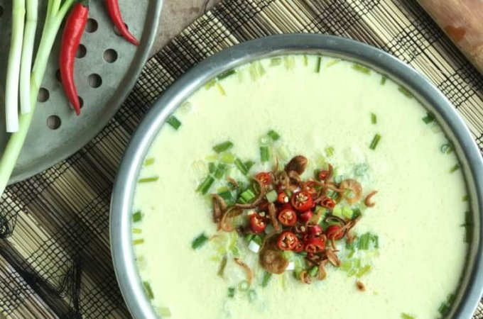 Silken Smooth Chinese Steamed Egg with Minced Meat (Zheng Sui Tan 蒸水蛋): The secret to silken smooth steamed eggs revealed. Say goodbye to craters, dimples and pothole steamed eggs!