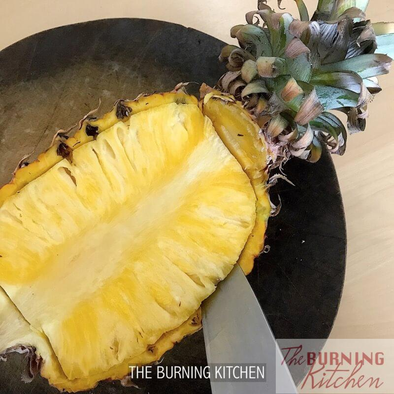Hollowing out pineapple from husk