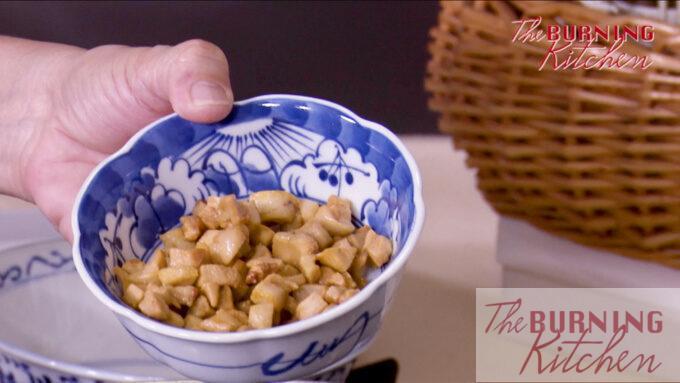 A bowl of fried pork lard