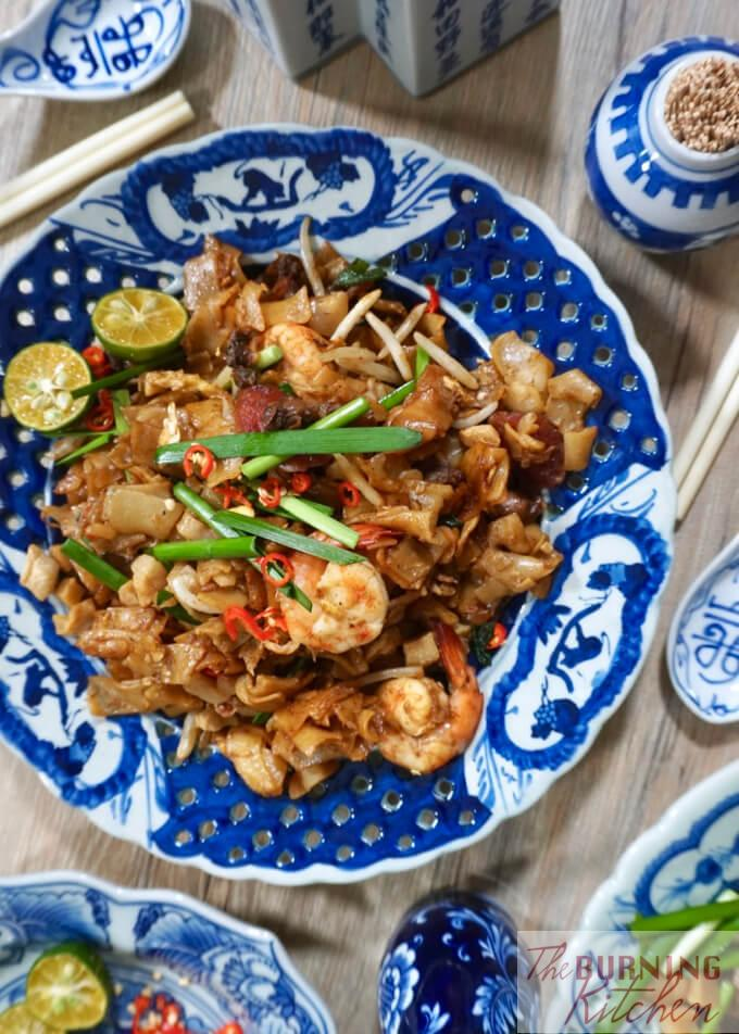 Learn how to cook one of Singapore's most popular dishes, home-made Char Kway Teow, the traditional way! Be warned though, this delectably decadent dish is best enjoyed in moderation! #charkwayteow #friedkwayteow #breakfastfood