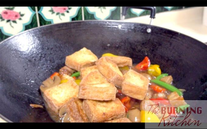 Tofu added into stir-fried items and claypot tofu sauce
