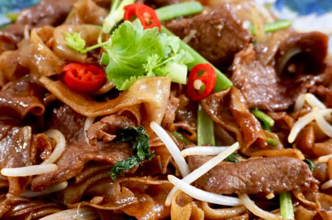 Dry-Fried Beef Hor Fun (干炒牛河)