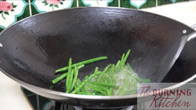 deep frying string beans in wok
