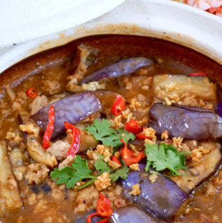 Spicy Claypot Eggplant with Minced Pork (鱼香茄子煲)